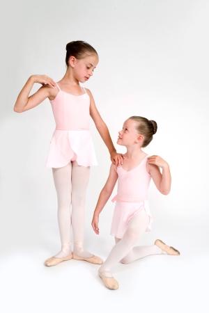 Aprendemos movimientos básicos, jugamos y comenzamos a estructurar gradualmente una clase de ballet