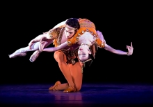 Hee Seo and Sascha Radetsky in Ashton's Thaïs Pas de Deux Photo Gene Schiavone